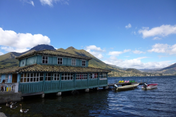 Lake-side café